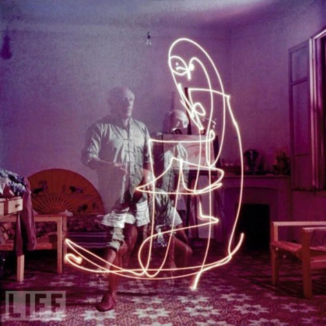Picasso's Light Graffiti